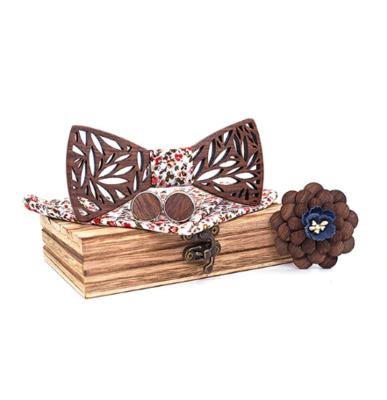 Dřevěné manžetové knoflíčky s motýlkem Rožanice